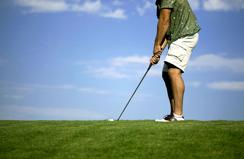 man golfing with varicose veins